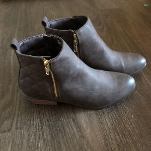 NWOT JustFab Brown Booties